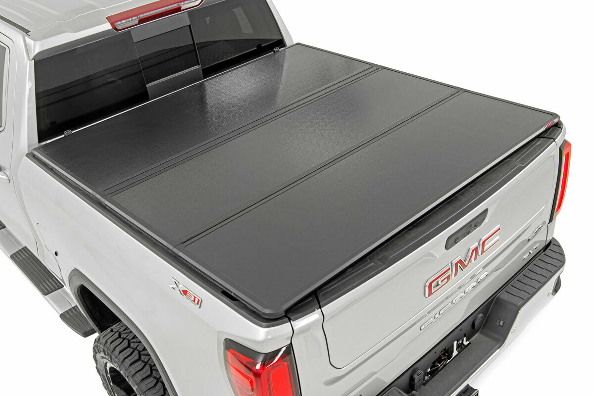 """GM Hard Tri-Fold Bed Cover (14-18 1500 PU - 5' 5"""" Bed w/o Cargo Mgmt)"""