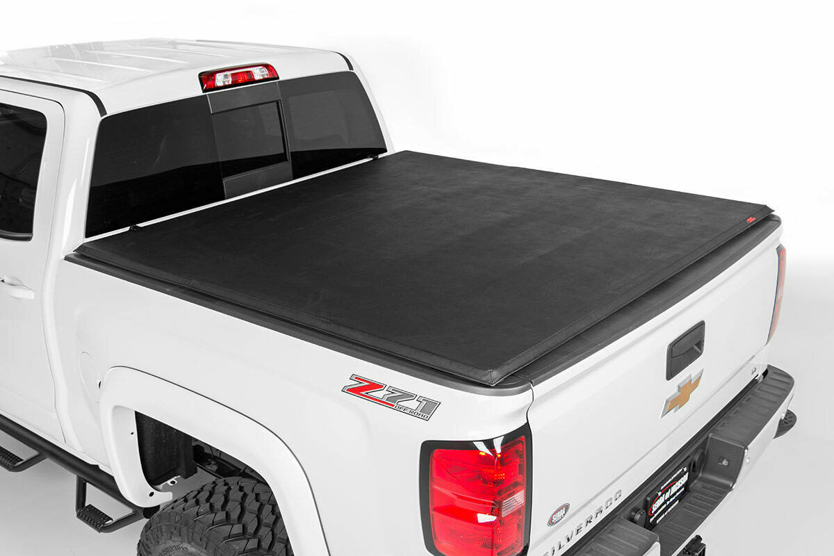 """GM Soft Tri-Fold Bed Cover (07-13 1500 PU - 5' 5"""" Bed w/o Cargo Mgmt)"""