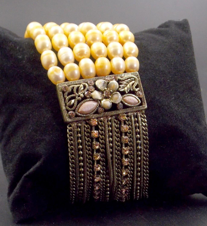 Beautiful Beaded Faux Pearl Bracelet