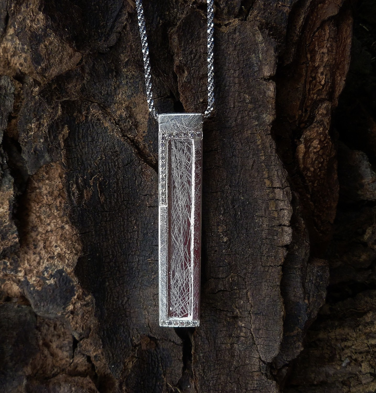 Large Window Pendant-necklace