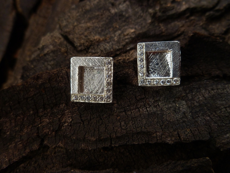Window Square Stud Earrings