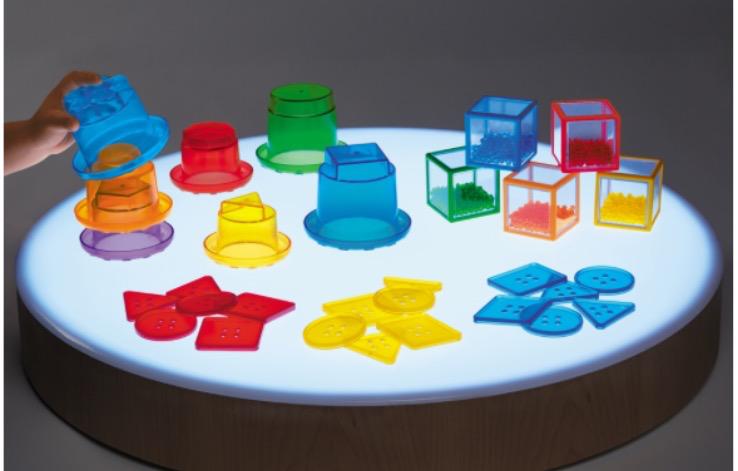 """Развивающая игра для стола с подсветкой """"Мои первые геометрические фигуры"""""""