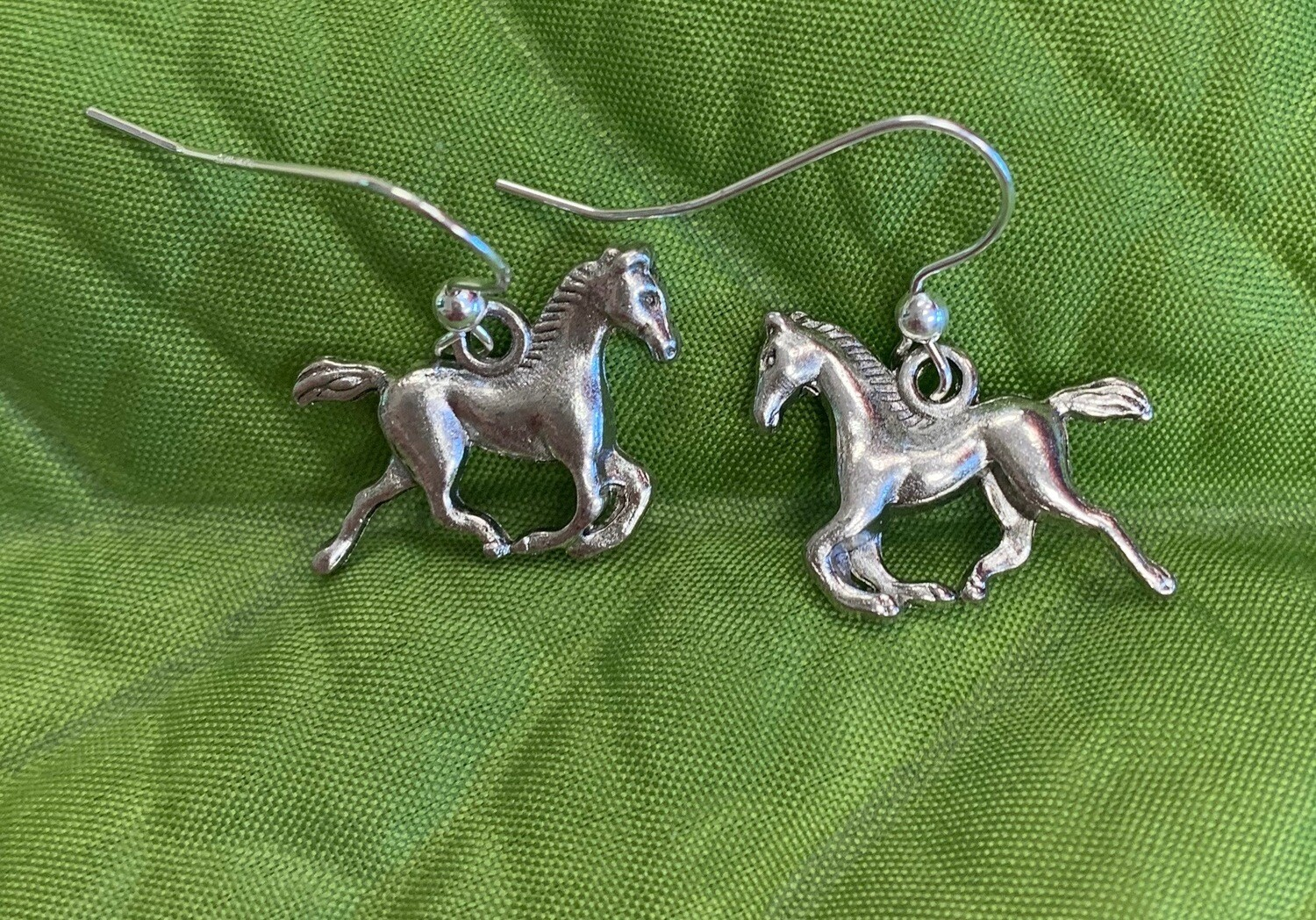 Beautiful Horse Galloping Earrings