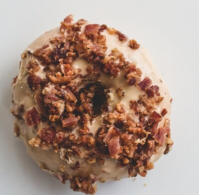 Yeast Donuts, Maple Icing Icing, Bacon Topping (Single Donut)