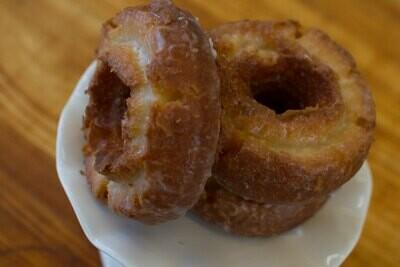 Old Fashioned Cake Donut, Glazed (Single Donut)