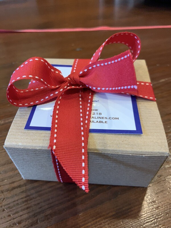 Box of 3 pralines with gift wrap