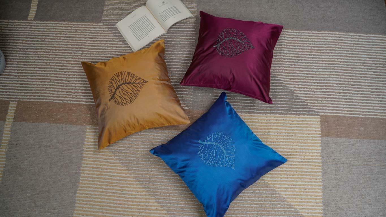 """Cushion Cover """"Single Leaf"""""""
