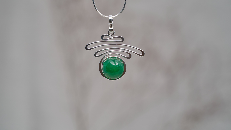 "Pendant ""Jade Silver Swirl"""