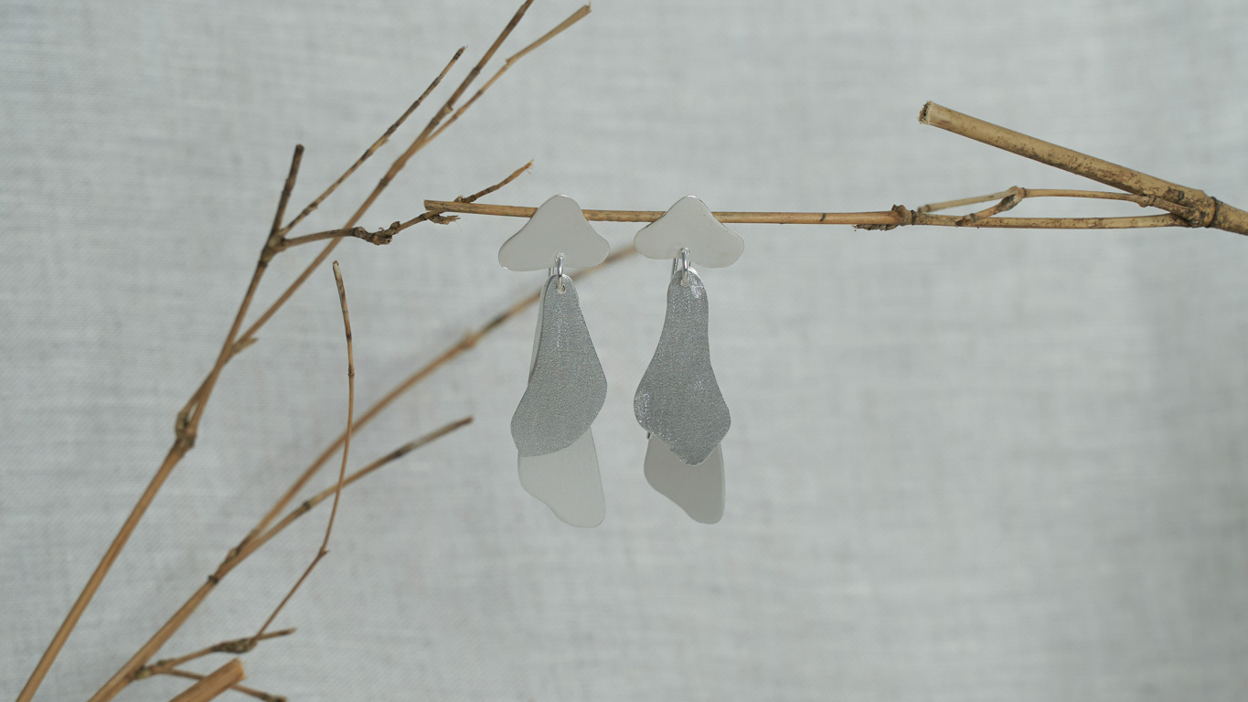 "Earrings ""Flowing Curves"" RO130TS"