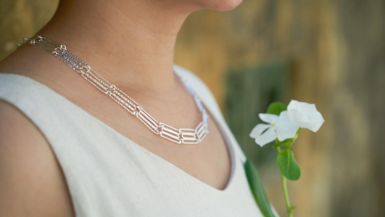 """Silver """"Collar"""" Necklace"""