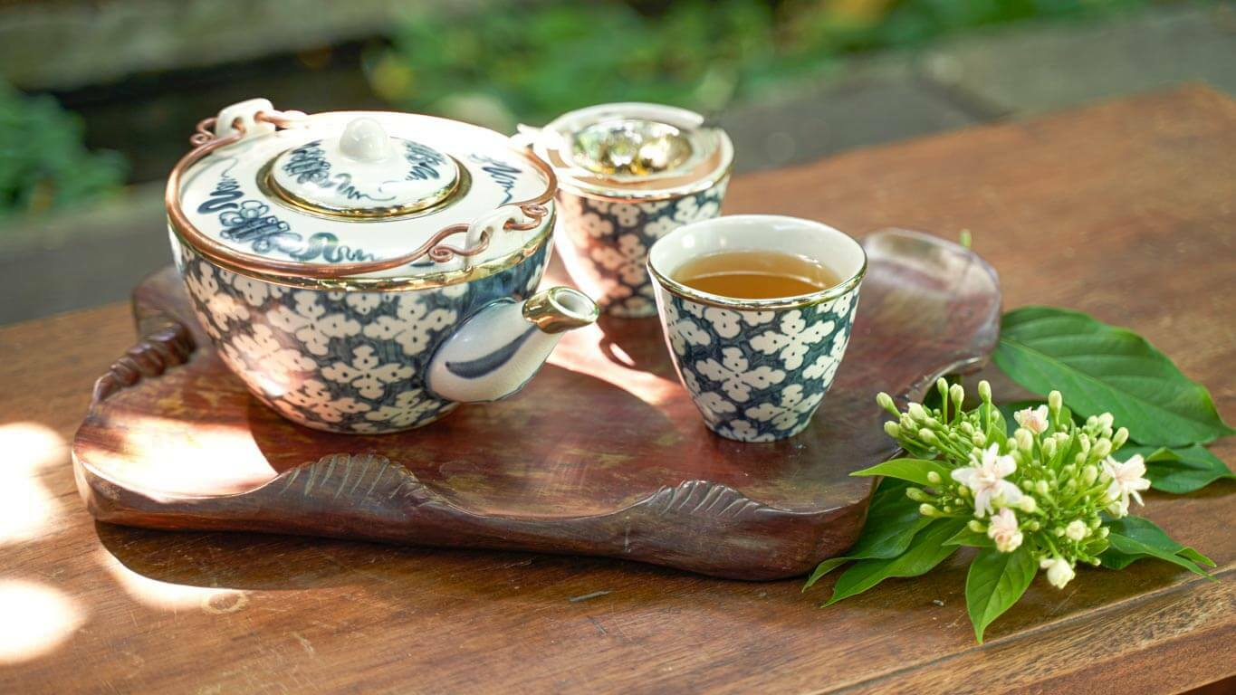 """Medium sized Teacup without Handle """"Hoa Beo"""""""