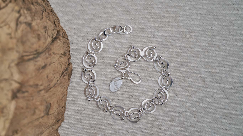 """Bracelet  """"Dancing Spirals"""""""
