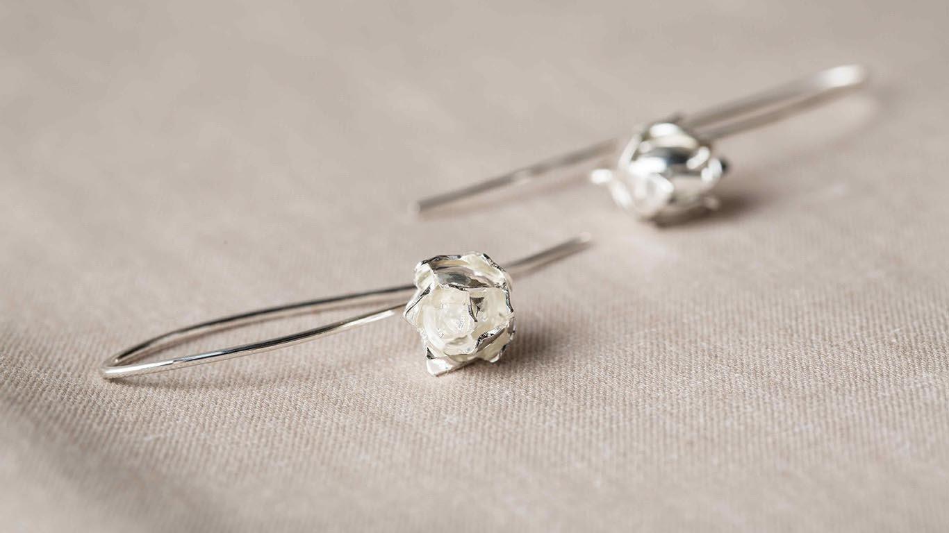 Charming lotuses earrings 2