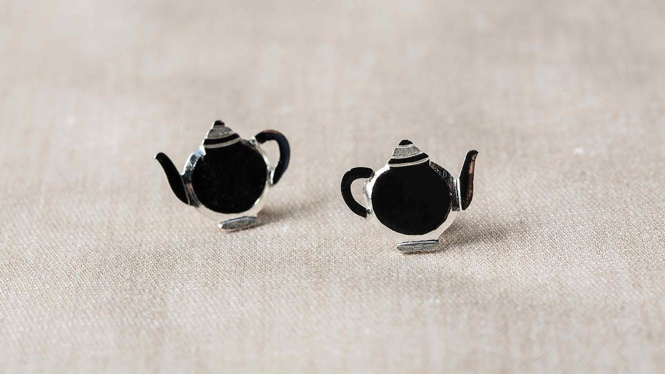 Silver tea pot Earrings 2