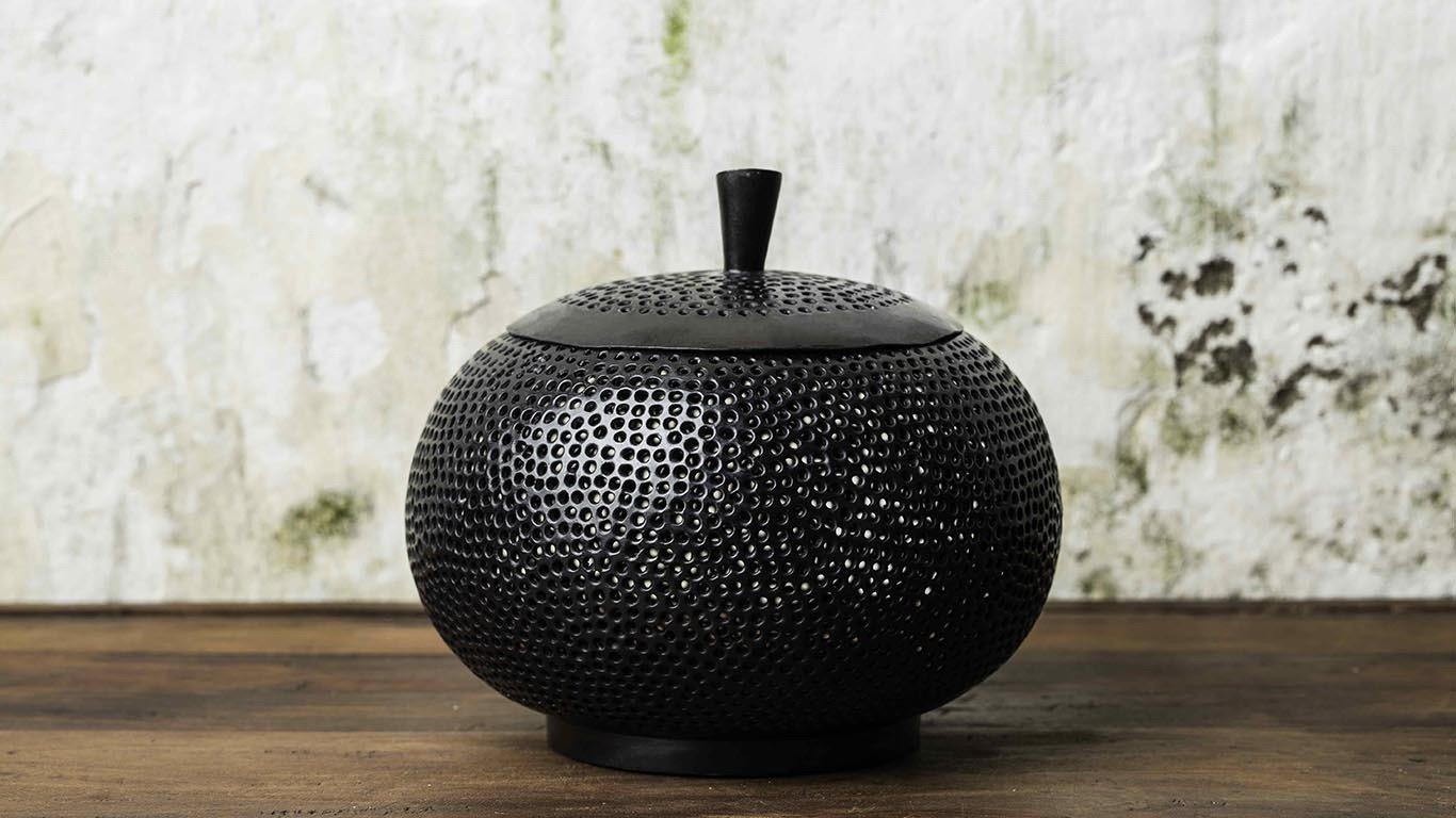 Black Pumpkin candle holder