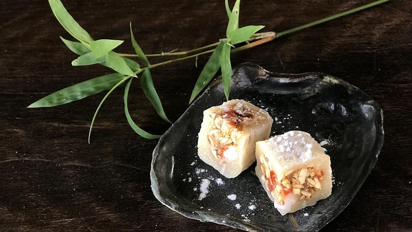 Vietnamese Coconut Waffles, making Vietnamese traditional treats