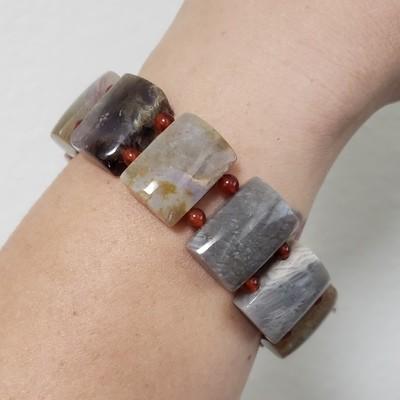 Polished Natural Stone Bead Bracelet