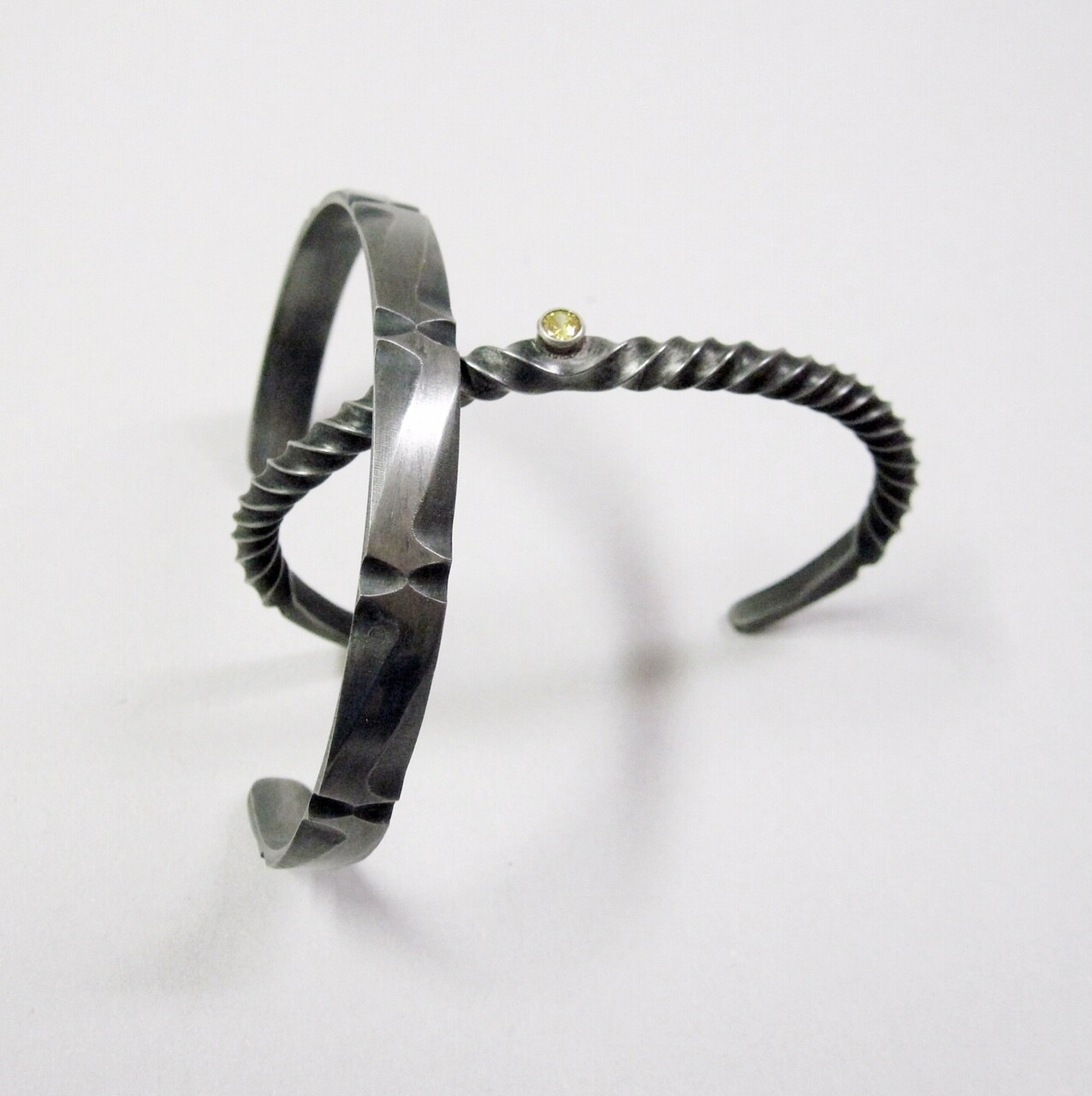 Combining Steel and Precious Metals for Jewelry with Joe Clift | FEB. 22 - 23, 9AM - 4PM