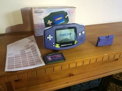 Pokemon Gameboy Advance (Mint Condition) + 1 Game -Boxed-