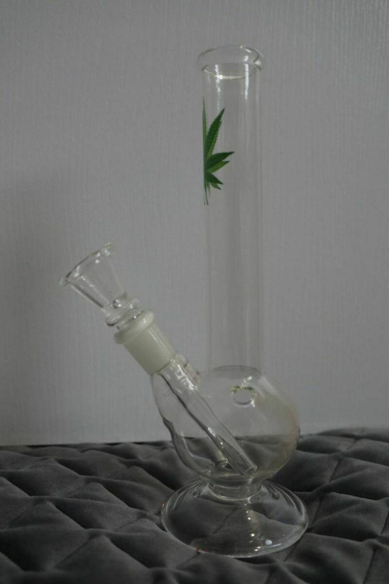 Glass Weed Leaf Bong 20cm - Weed Leaf Print | moodTime