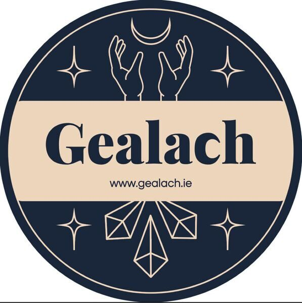 Gealach Candles